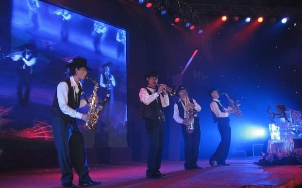 大奖官方娱乐88pt88萨克斯表演
